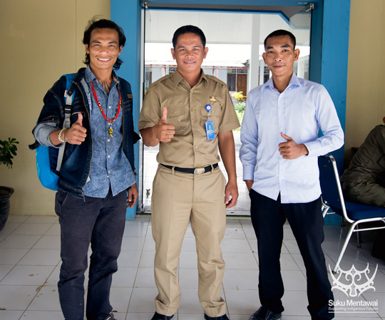 Suku Mentawai Director, Esmat Sakulok, and Manager, August Tonggiat, with Mentawai tourism department deputy, Aban Barnabas Sikaraja